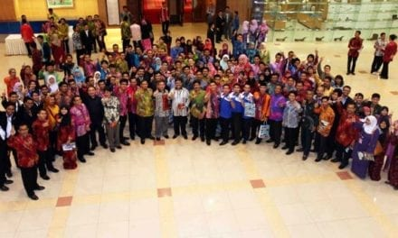 Datuk Dr. Adham Baba rasmi Majlis Makan Malam Konvensyen Pemimpin Mahasiswa IPT 2011