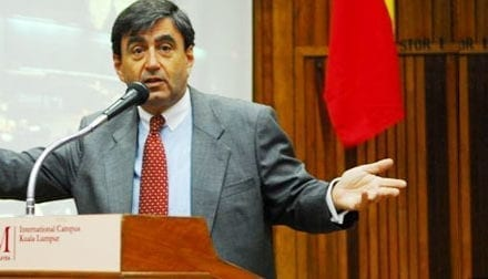 Audience experienced the Aha Moment in Harvard University Professor Mazur Premier Lecture