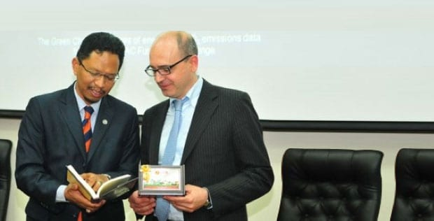 Imperial College Professor talks on low carbon transport technologies in UTM