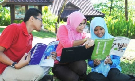 Penempatan 60 orang staf akademik & pelajar berkelayakan untuk mengikut pengajian PhD di universiti ternama dunia