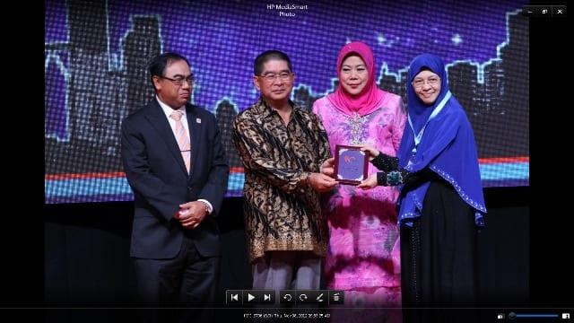 UTM won 6 gold in BioMalaysia 2012