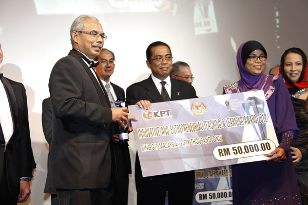 UTM menang Innovative and Entrepreneurial Teaching and Learning MOHE