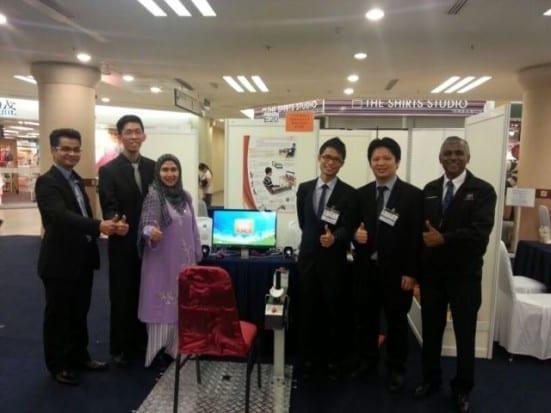 Dr Yeong Che Fai (second from right) lead the team.