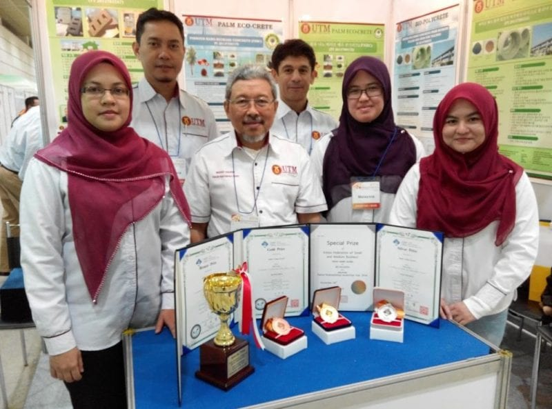 UTM Civil Engineering team won Gold, Silver and Bronze Medals at the SIIF 2014