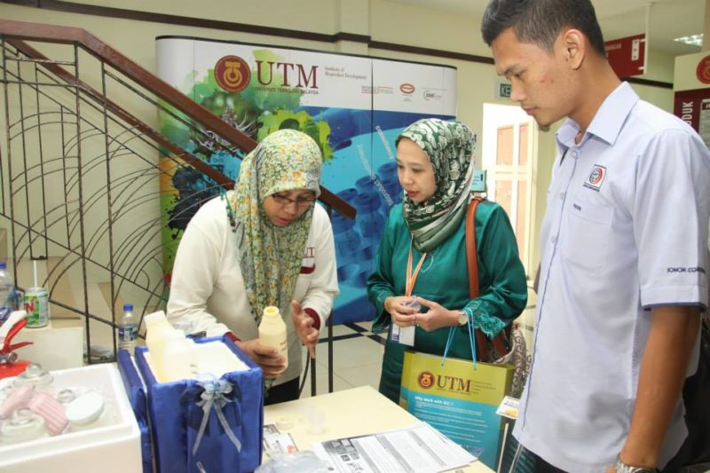 90 Industrial Representatives Participated at the UTM Technology Transfer Showcase and Forum 2014