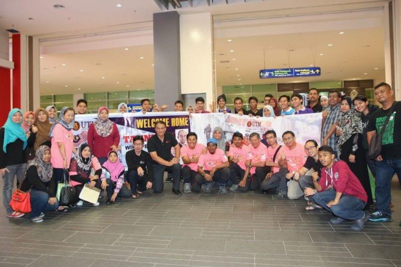 Welcome back 'Misi Perdana UTM Everest 2015' Team