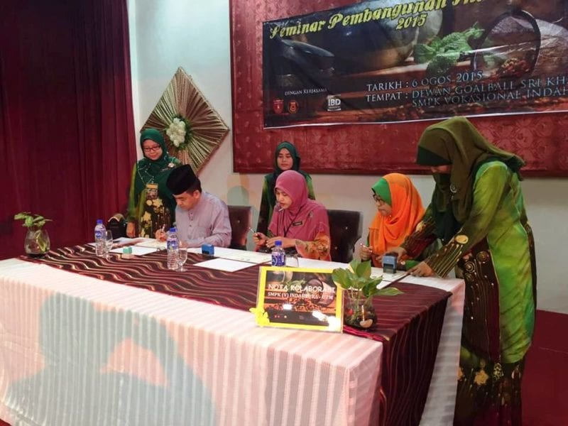 IBDUTM and SMPK Kulaijaya Sign Note of Cooperation in Local Herbal Industry Development