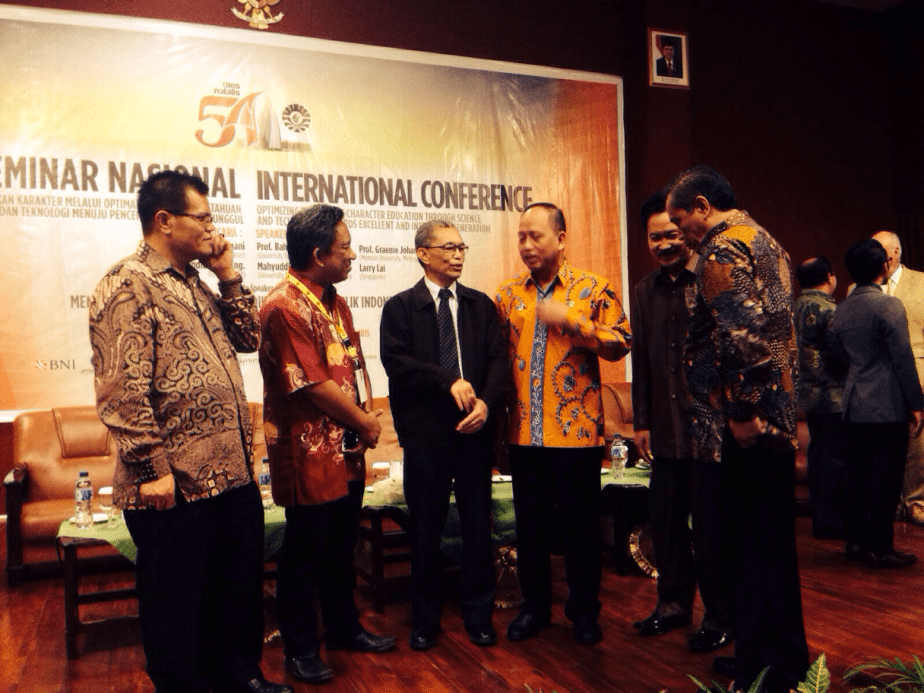 Prof Baharuddin Aris Invited to Speak at an International Conference 2015 in Makassar