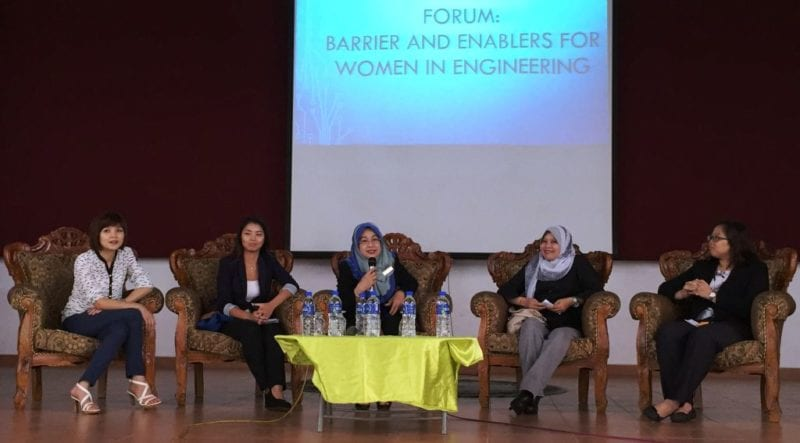 IEM-UTM Student Chapter Organizes Programme to Raise Female Students' Interest in Engineering