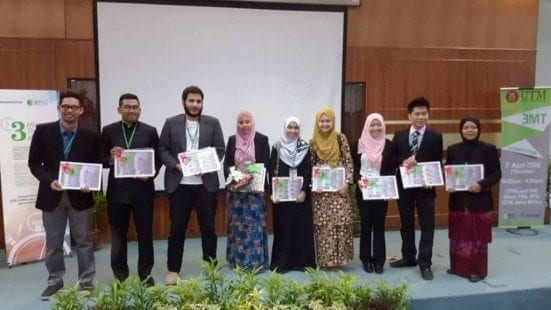 The overall winners of UTM 3MT 2016 competition after the prize handing ceremony. Only one from each category will be representing UTM at National level 3MT competition that will be held at UUM on this coming May of 2016.