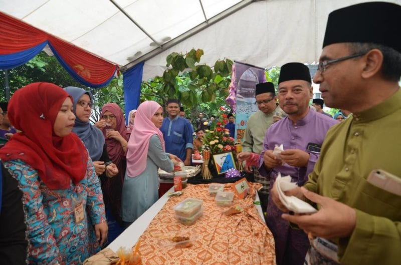 UTM staff praised for initiative taken last Ramadan