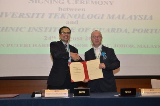 Prof. Azlan (left) and Prof. Constantino Mendes Rei, IPG President shaking hands after the signing ceremony held at Hotel Jen Puteri Harbour