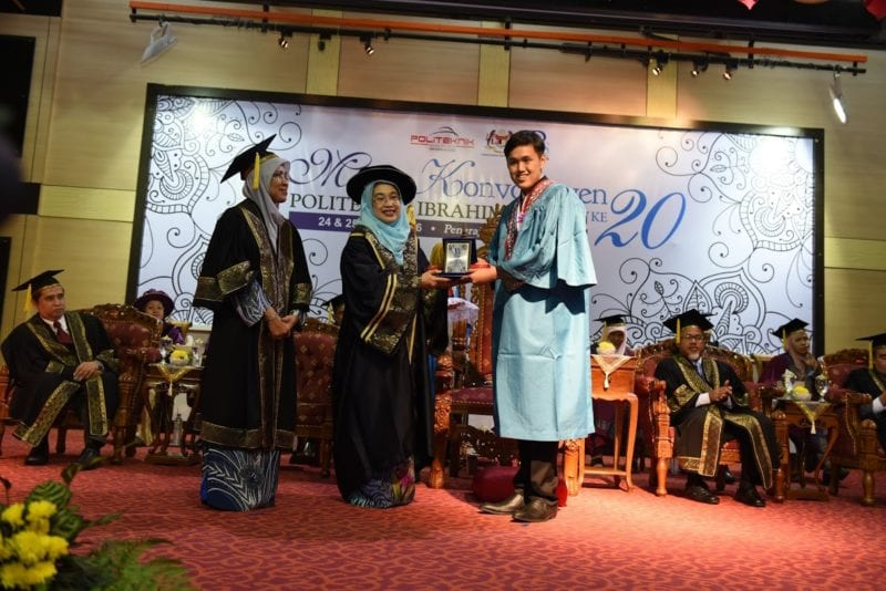 Assoc. Prof. Ir. Hayati invited as guest of honour at the 20th PIS Convocation ceremony