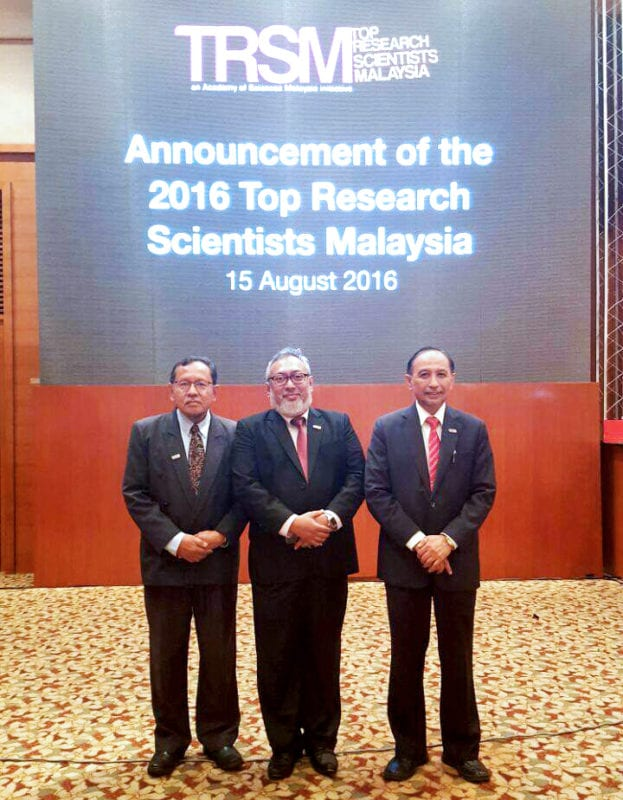 UTM Professors conferred the 2016 Top Research Scientists Malaysia