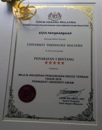 The certificate of award received by UTM