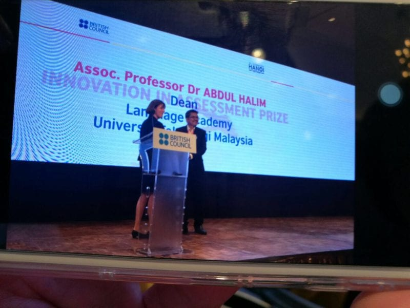 Language Academy UTM wins prestigious Innovation in Assessment Prize in Hanoi