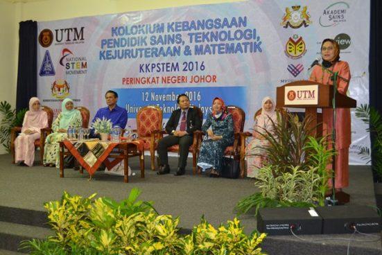 Dr Siti Hamisah Tapsir menyampaikan ucapan di majlis perasmian.