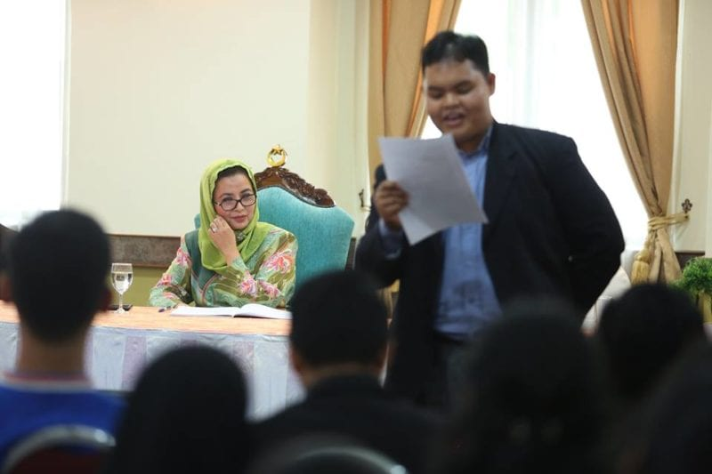 UTM students organise Tuanku Chancellor English Language Club Sharing Session