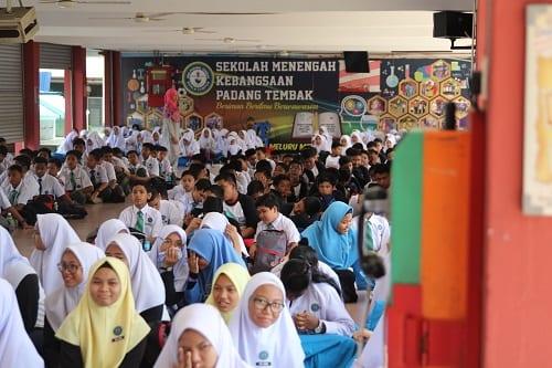 Pro-Naib Canselor Sumber Inspirasi Program Libatsama Komuniti UTM Kuala Lumpur Bersama SMK Padang Tembak