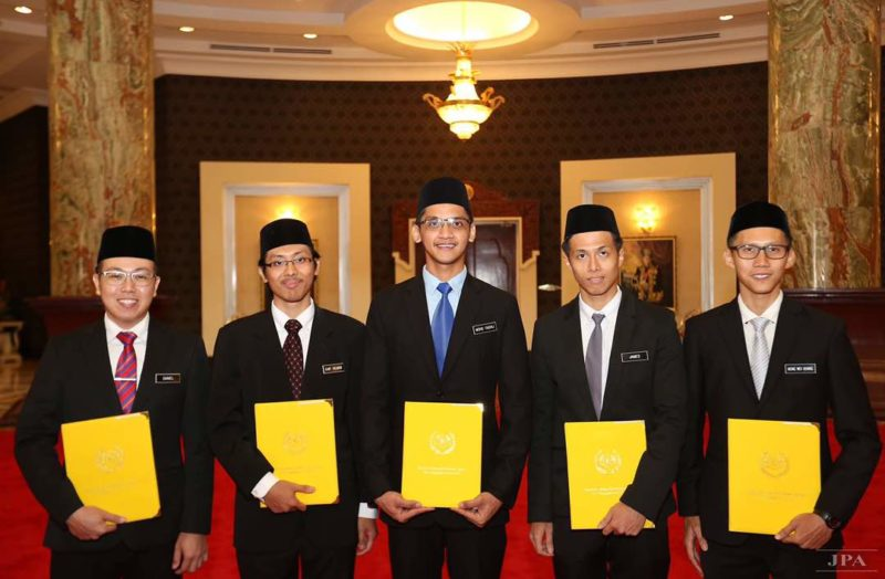 2 UTM Civil Engineering students awarded the Yang Di-Pertuan Agong Scholarship 2017