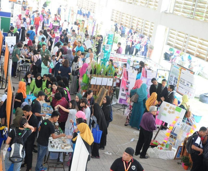 UTM successfully organizes RCE Iskandar Sustainable & Low Carbon Schools Exhibition 2017