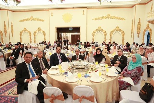 PM rasmi Buku Pelan Pelaksanaan Projek Indeks Syariah Malaysia