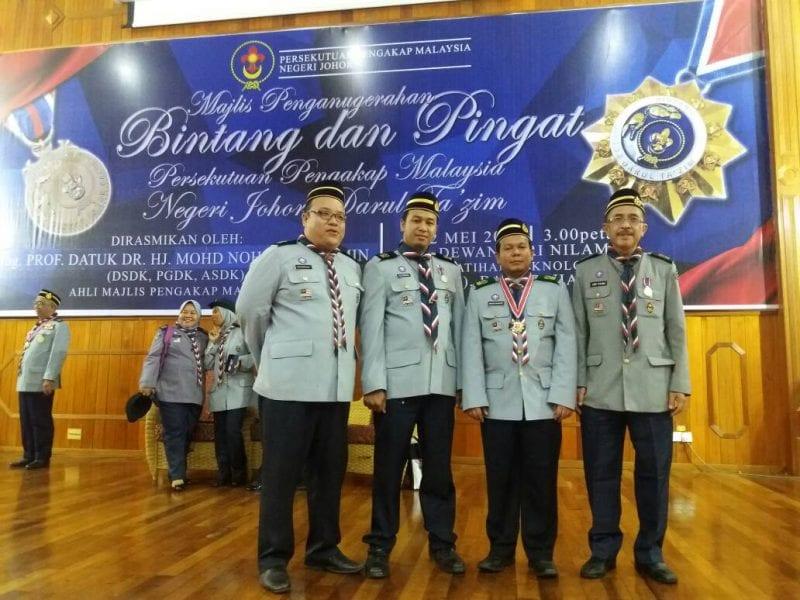 Tahniah kepada staf UTM yang menerima Anugerah Persekutuan Pengakap Malaysia Negeri Johor