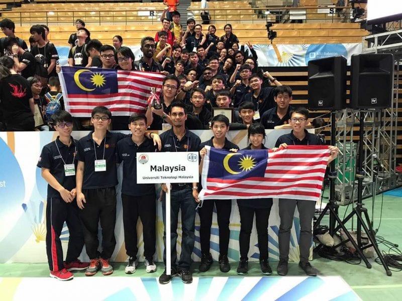 Universiti Teknologi Malaysia muncul Naib Johan Pertandingan Robot  ABU Asia -Pasifik (ROBOCON) 2017 Tokyo