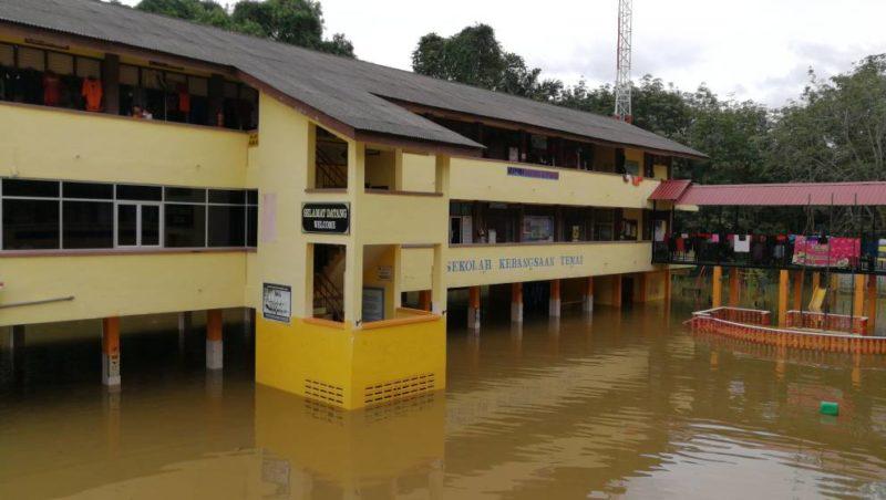 UTM Hulur Bantuan Kepada Mangsa Banjir Pahang