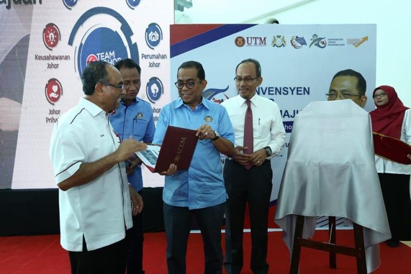 MB rasmi Karnival Johor Berkemajuan