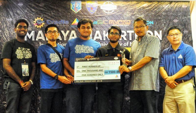 "FKE students from UTM awarded the First Runner-Up position in ""The Malaya Makerthon 2018"" at Universiti Malaya"