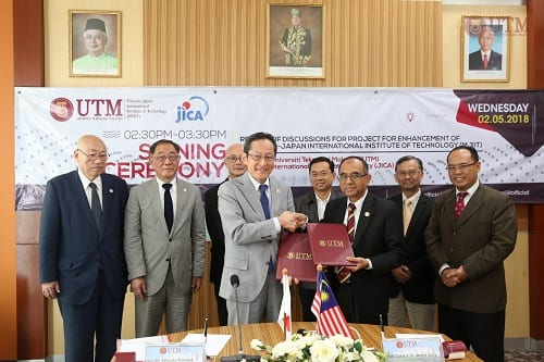 SIGNING CEREMONY BETWEEN UTM AND JICA FOR MJIIT UTM 2nd PHASE TECHNICAL COOPERATION PROJECT