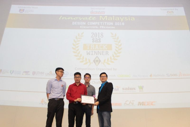 UTM FKE Student Team won SAS Track in Innovate Malaysia Design Competition 2018 Central Region.