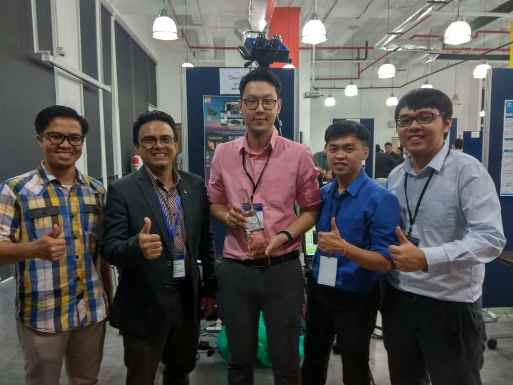 Best Of The Excellence Award And Google Track Champion Lim Ji Chen Chin Linn Kern Matthias Tiong Foh Thye From School Electrical Engineering