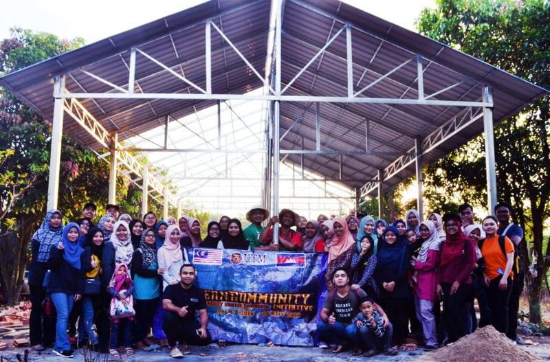 Mahasiswa UTM Rancakkan Kehidupan Komuniti di Kemboja