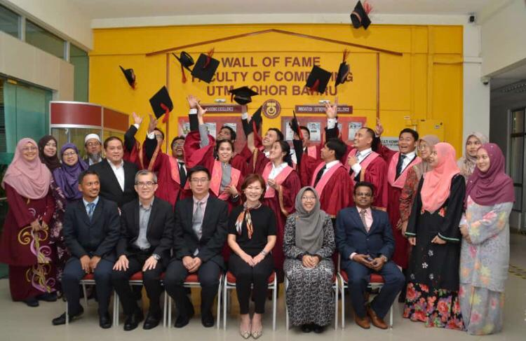 Finisar Celebrates its First UTM Special Program Graduates