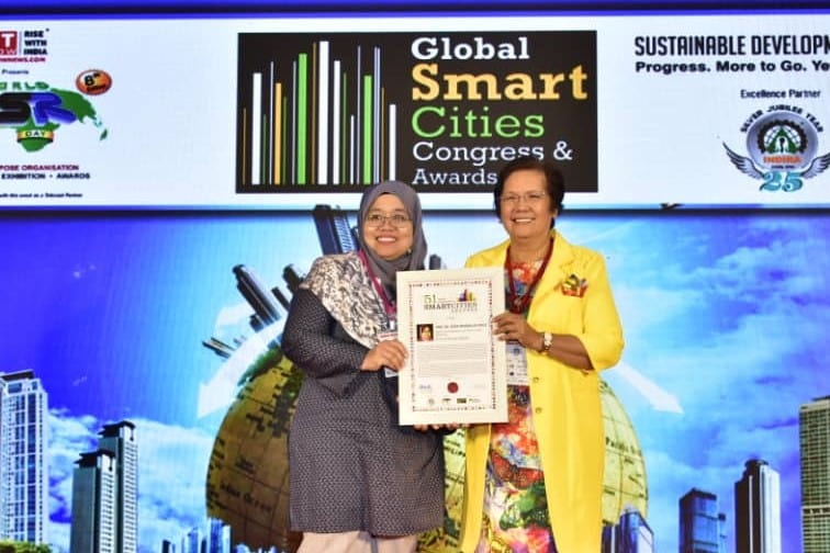 Prof. Sevia Mehdaliza awarded with 51 Most Impactful Smart Cities Leaders Award