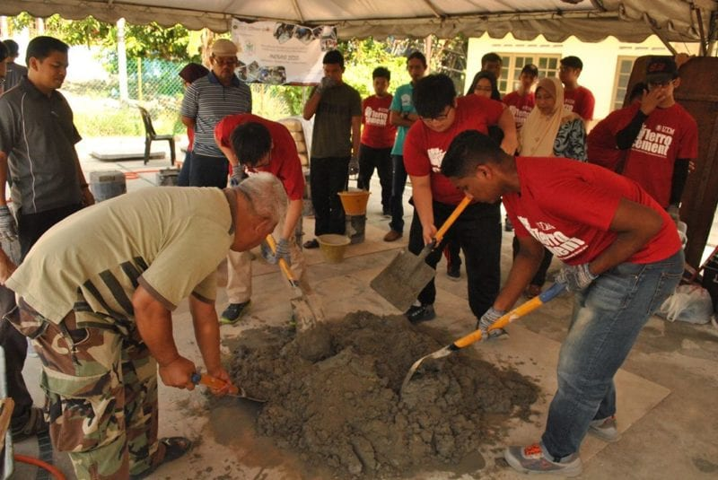 UTM Community Engagement Kongsi Ilmu Pembelajaran Servis Simenfero
