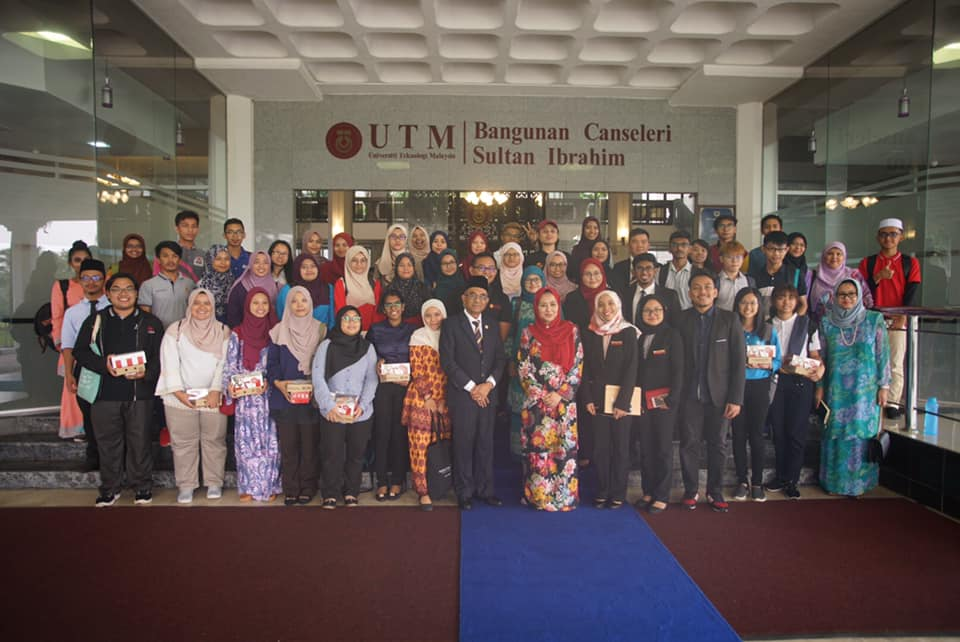 Tuanku Chancellor English Language Club UTM encourages students to speak English