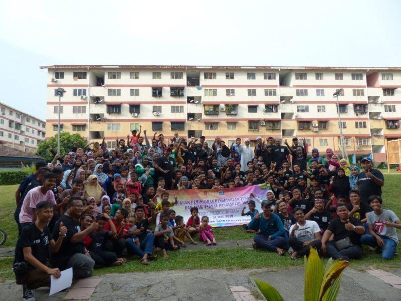 Program Anak Angkat ISI- FABU UTM Berjaya Mencetus Komuniti Berdaya