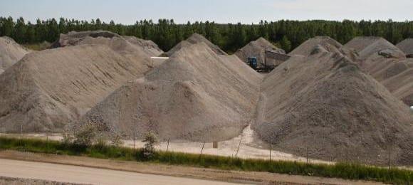 Penyelidik UTM Bangunkan Panel Konkrit Ringan dari Sisa Arang Batu