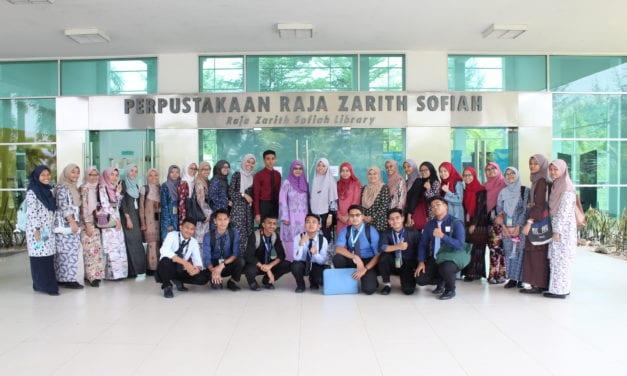 UTM Library's Information Searching Skills Programme with Kolej Vokasional Perdagangan, Johor Bahru