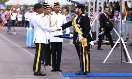 1,560 Pegawai Kadet Ditauliah Leftenan Muda dalam Istiadat Perbarisan Pentauliahan Diraja Pegawai Kadet PALAPES UA ke-38