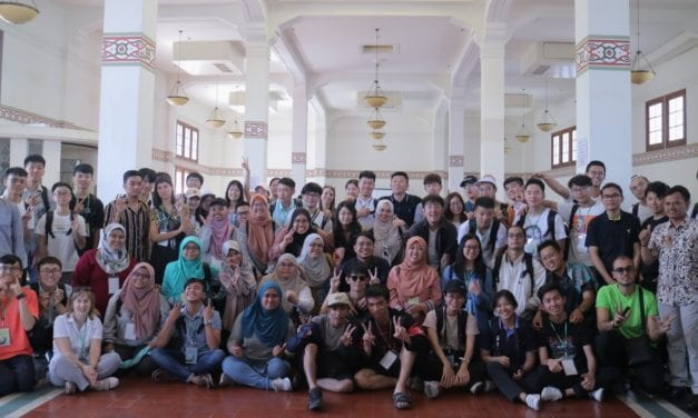 Pelajar Psikologi SHARPS UTM Teroka Budaya Jawa Timur di bumi Surabaya