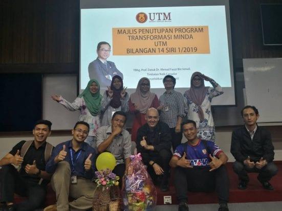 Pasukan Pahlawan Ogos mengabadikan kenangan selepas majlis penutup