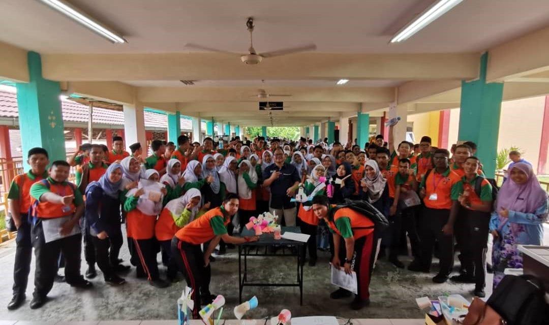 Program Libatsama Komuniti Pensyarah dan Pelajar FABU di SM Pendidikan Khas Vokasional Indahpura, Kulai