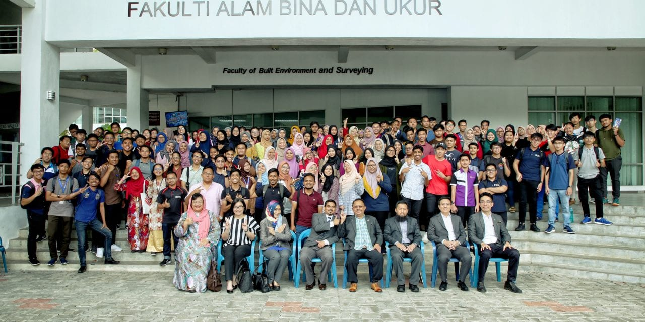 Faculty of Built Environment and Surveying (FABU) Cooperate With RISM Johor Branch Organised RISM Career Talk