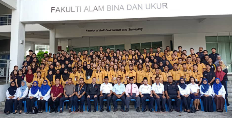 Program 'Aim High': Jalinan Pendidikan Antara UTM dan Pusat Tingkatan 6 SMK Taman Johor Jaya 1