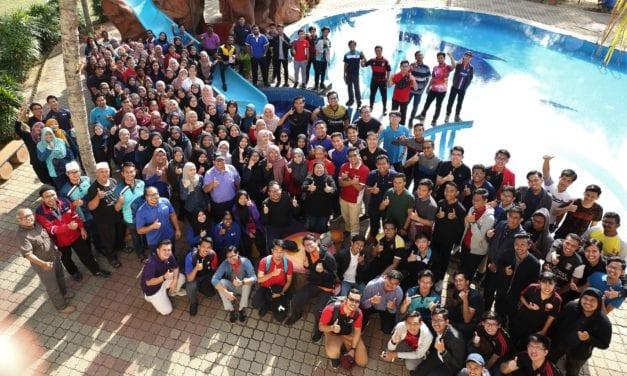 Pemimpin Persatuan/Kelab Pelajar Tekad Julang UTM di Persada Dunia
