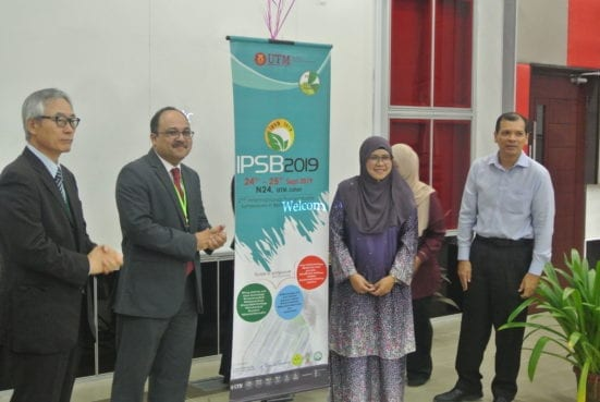 IPSB 2019 was officiated by by Assoc Prof Dr Noor Hazarina Hashim, the Chair of School of Graduates Studies, UTM